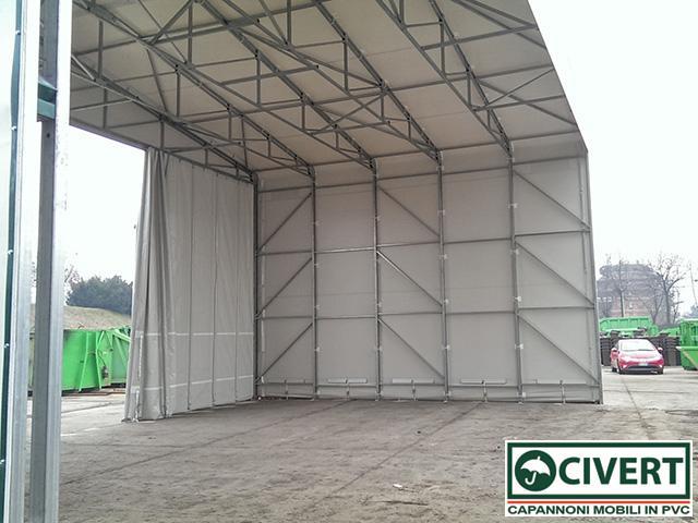 interno tettoia con tenda scorrevole