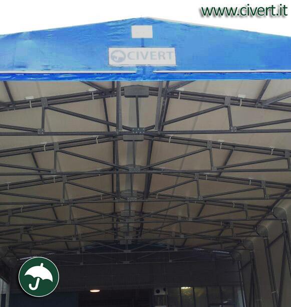 interno capannoni mobili per carico e scarico