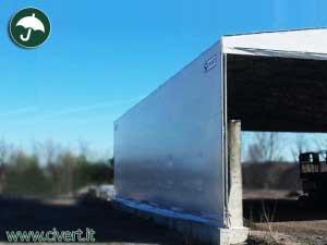 vista di lato di uno dei due capannoni mobili emiliana