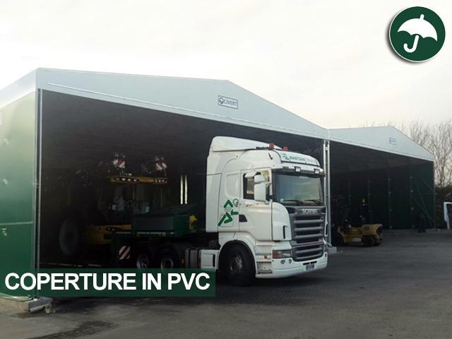 Copertura in pvc laterale modello biside Civert con camion