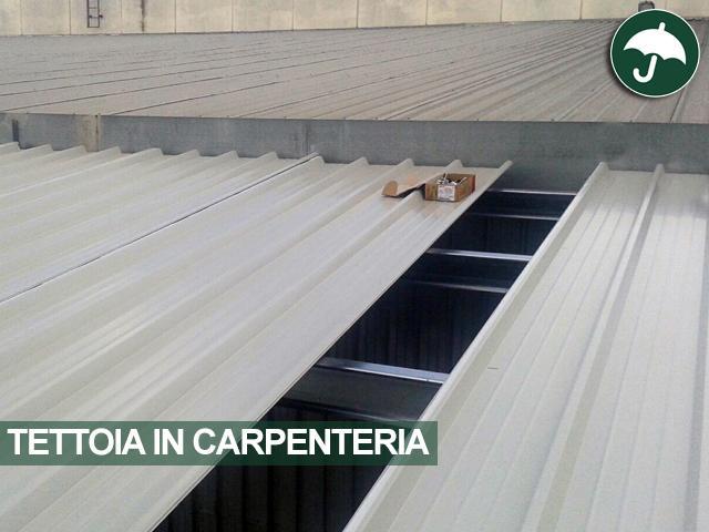pannelli coibentati per tettoia in carpenteria