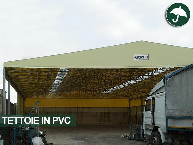 Tettoia in pvc per riqualificare la zona di stoccaggio materiale