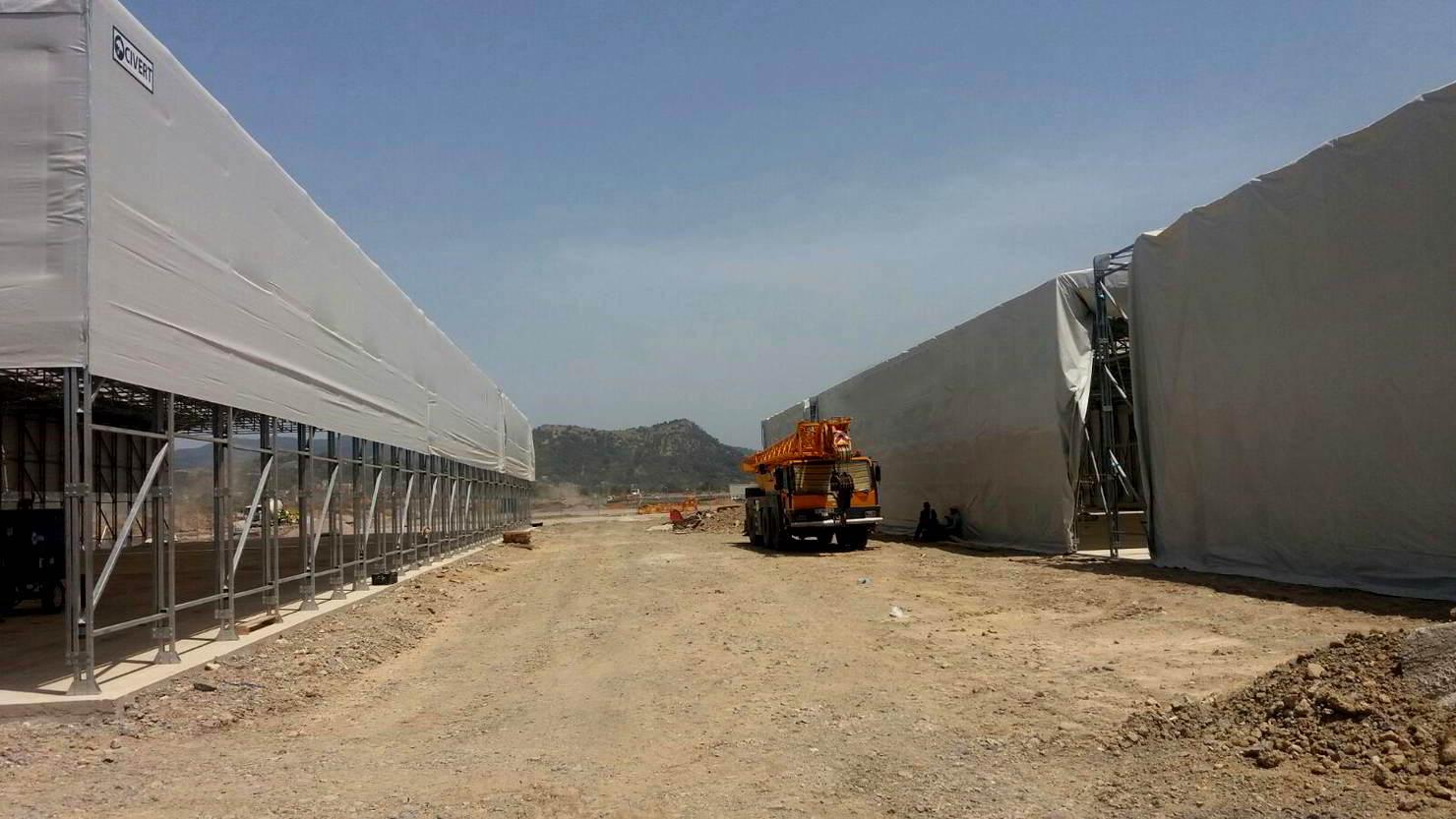 Costruzione di due grandi capannoni industriali in pvc
