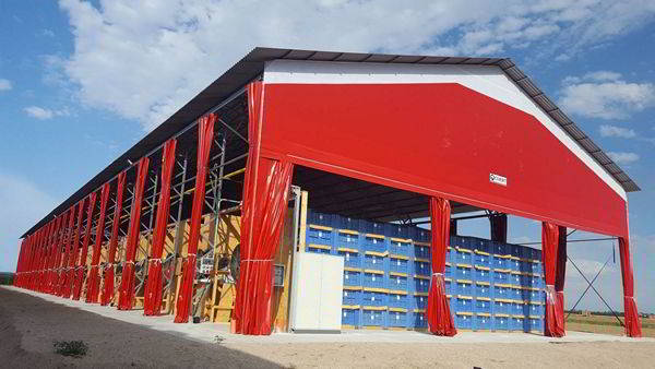 In capannone in PVC della Civert
